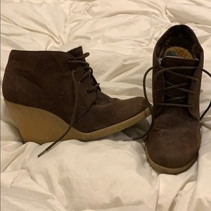 Brown boot wedges